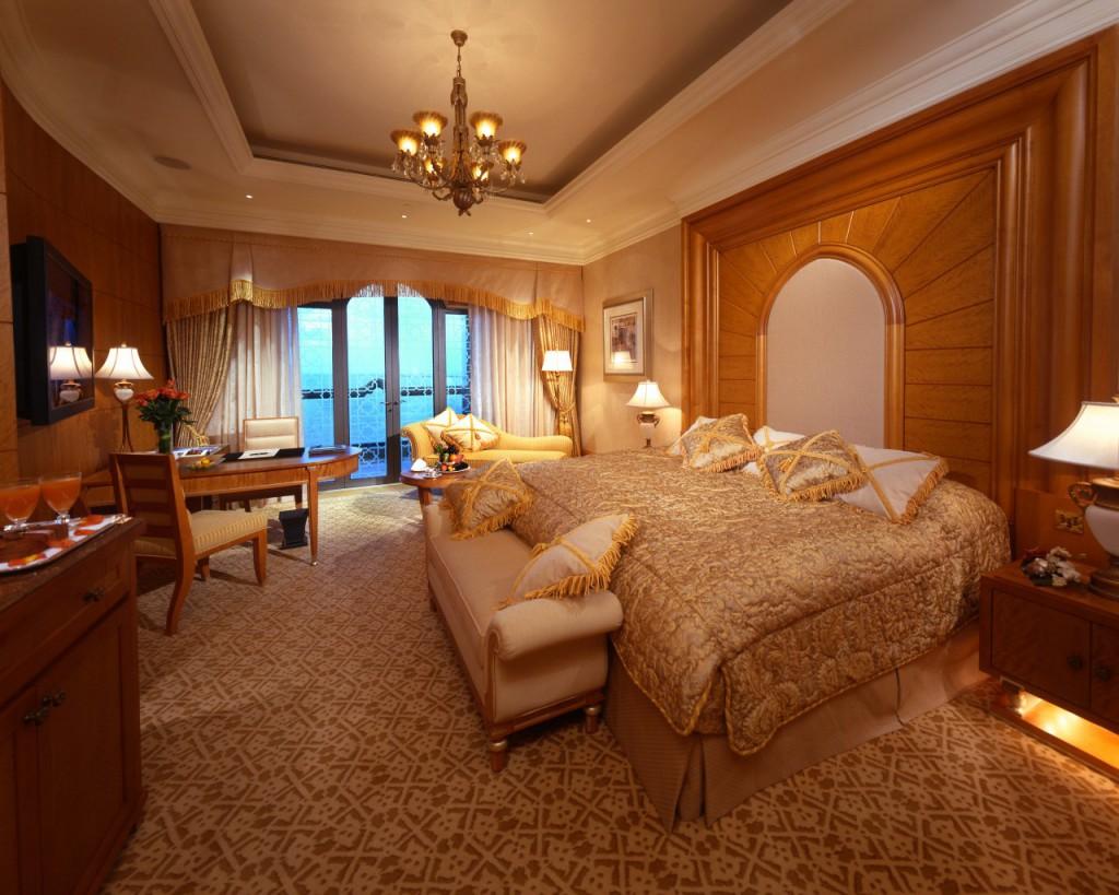 03-emirates-palace-diamond-bedroom