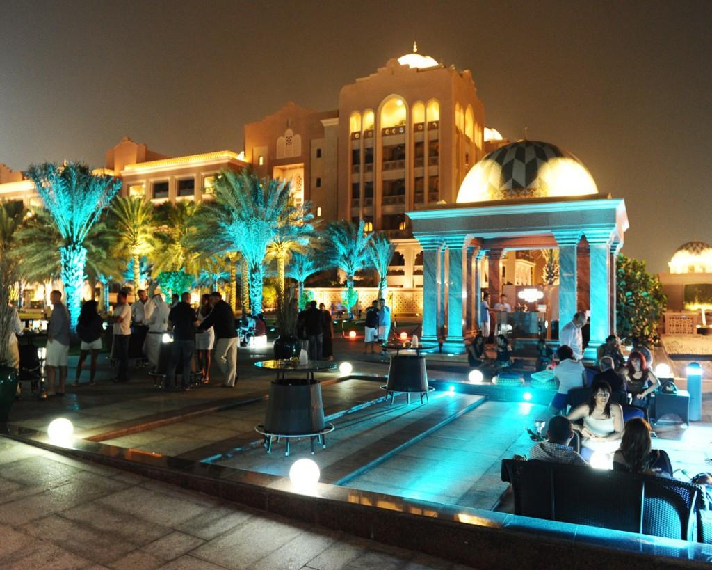 07-emirates-palace-breeze-lounge