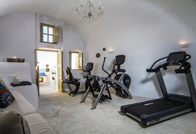 Iconic Hotel Santorini - Fitness Studio