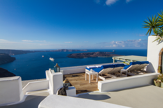 Iconic Hotel Santorini - Pool Lounge