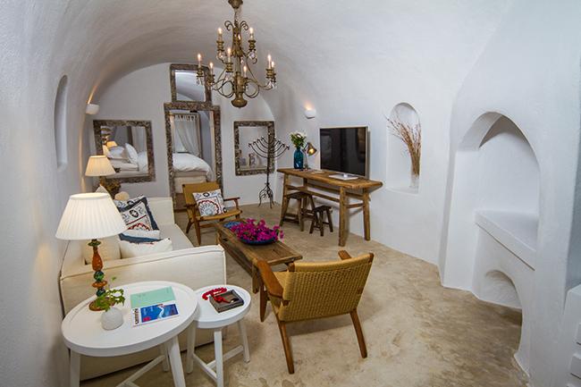 Iconic Hotel Santorini - Iconic Suite  Lounge