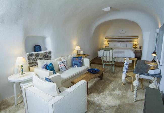 Iconic Hotel Santorini - Classic Suite