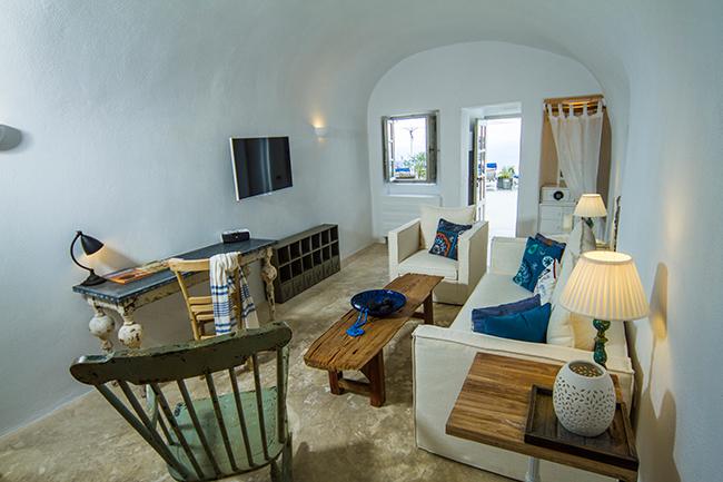 Iconic Hotel Santorini - Classic Suite 2