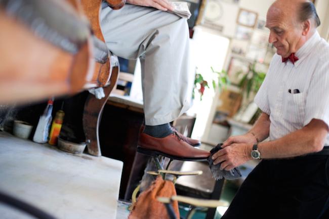 Schuhe pflegen / putzen
