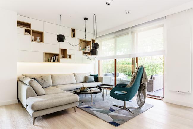 Singlewohnung / Appartment   Wohnzimmer Couch