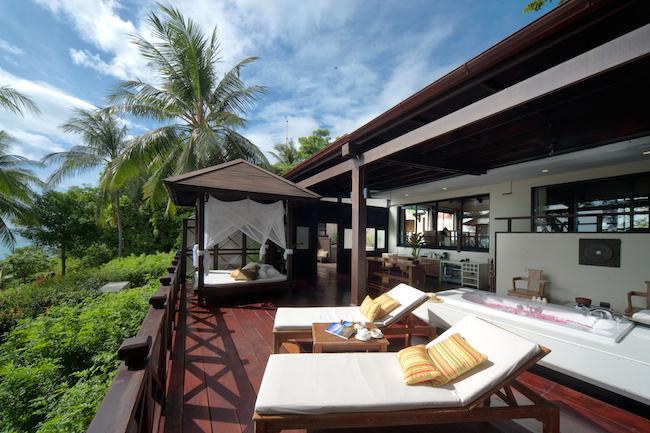 Tongsai-Grand-Villa-Terrace-2