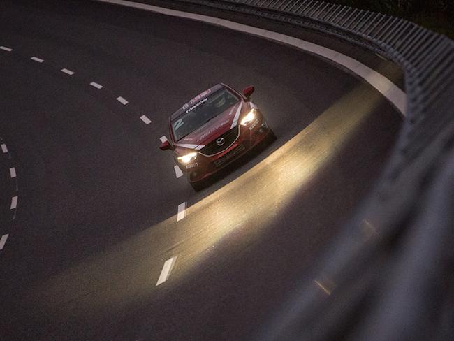 Mazda 6 bei Nacht