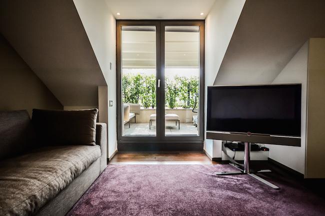 allegroitalia-mailand-wohnzimmer-tv